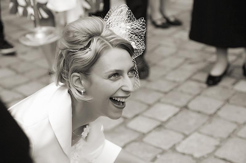 Foto der Braut bei einem Hochzeitsspiel